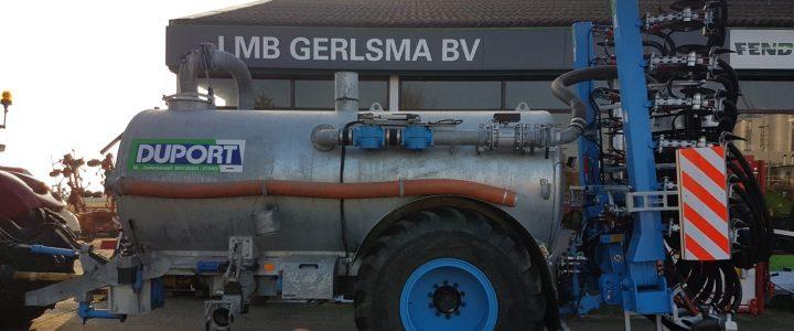 Afgeleverd aan loonbedrijf Buma in Schettens, Duport All Track 8040 uitgevoerd met oa, automatische vetsmering en zij-afscherming